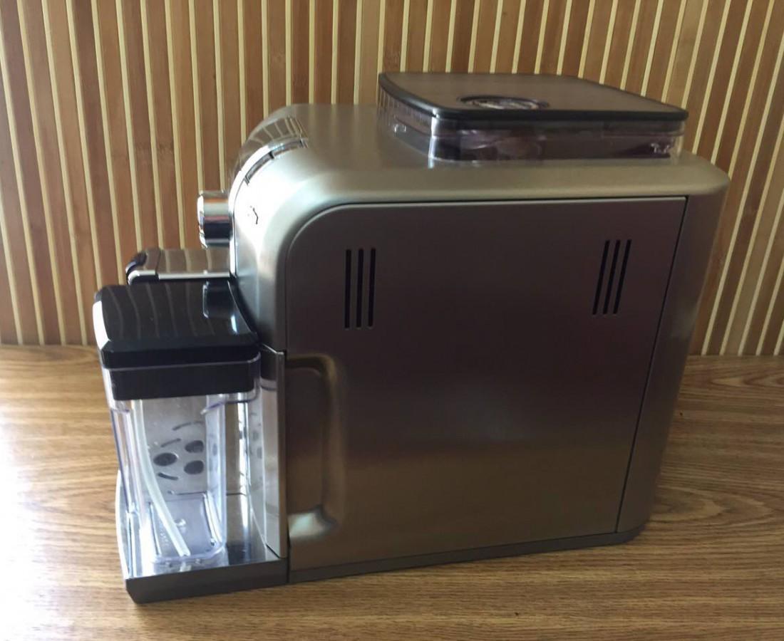 Ви хочете отримувати насолоду від щойно звареної кави кожого ранку? Тоді кавоварка Saeco Syntia Cappuccino – це ваш вибір.
