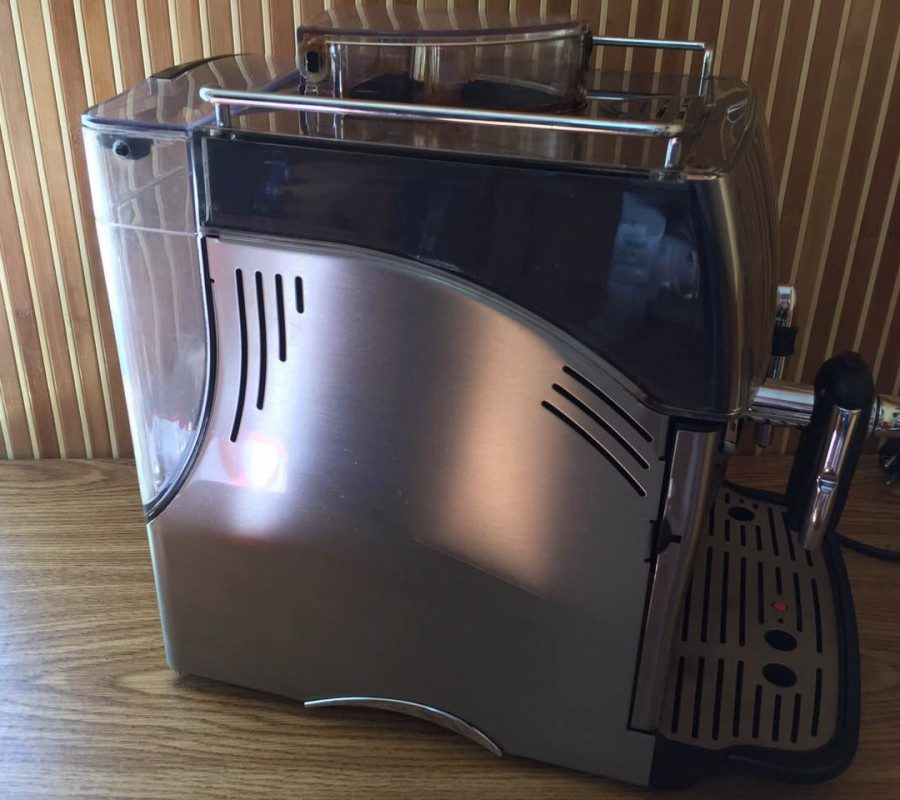 З цією кавовою машиною ви й не помітите, як швидко у вас в руках буде чашка з ароматною кавою. Якщо ви шукаєте найсучаснішу модель кавових машин, то кавоварка Saeco Incanto Sirius саме для вас.